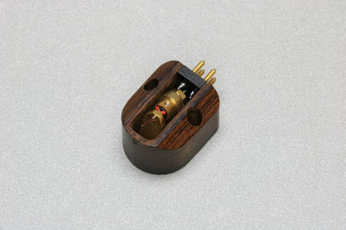 Charisma Audio Reference 2 Moving Coil Cartridge